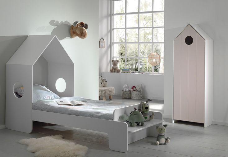 Chambre enfant en bois avec lit cabane 90 x 200 cm et armoire rose Casami Vipack