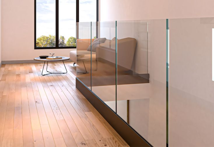 garde-corps d'étage en verre pour escalier en métal