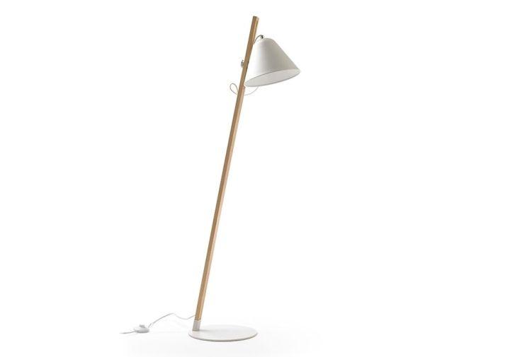 Lampadaire en bois réglable avec abat-jour en métal blanc mat