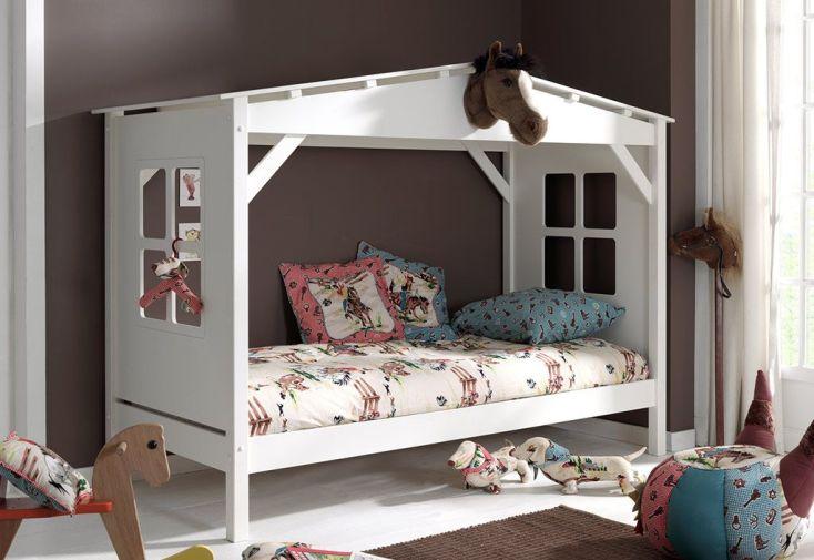 Lit cabine en forme de maison en pin scandinave 90 x 120 cm