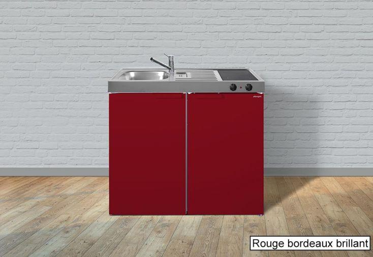 kitchenette équipée rouge pour studio