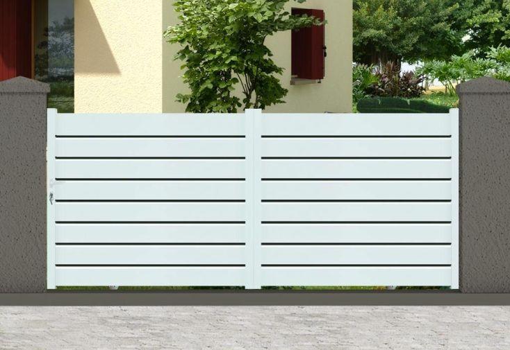 portail en aluminium blanc 2 vantaux soudés ouverture manuelle coulissante
