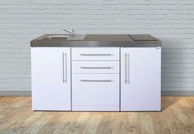 Kitchenette équipée d'un frigo, une plaque vitrocéramique, un évier et un lave-vaisselle Stengel