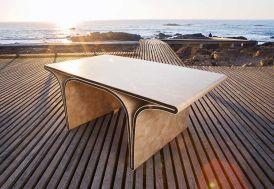 Table à Manger Design en Bois Massif et Swarovski Ono